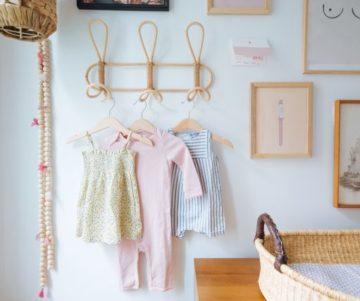 Alles wat ik heb geleerd over het aankleden van een baby (en waar ik winkel)
